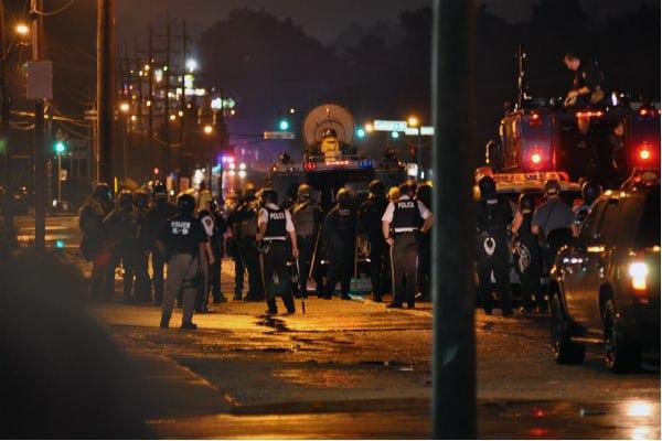 Druga noc zamieszek w Baltimore