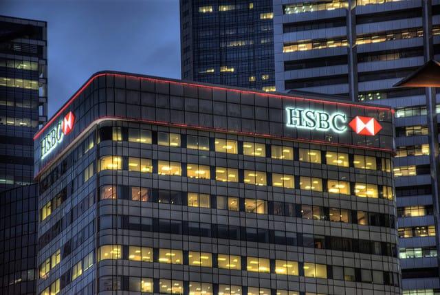 Rekordowe zwolnienia w brytyjskim banku. 25 tysięcy osób straci pracę