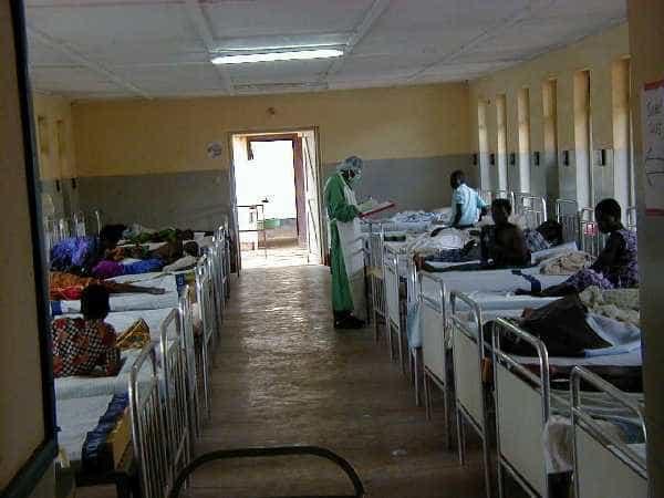 Gwinea: malaria groźniejsza od eboli?