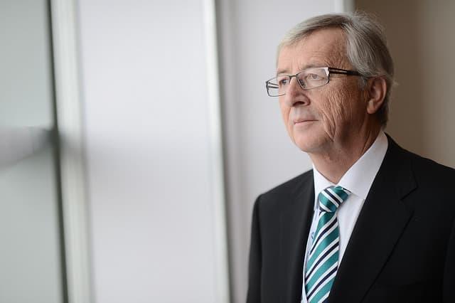 Juncker w Strasburgu: Europa musi pomóc uchodźcom