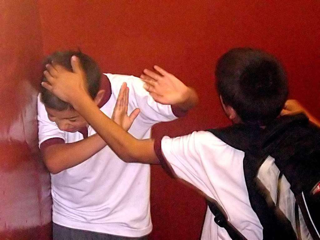 Uczeń z Ukrainy katowany w szkole. Dyrektorka: prowokuje, bo nie mówi po polsku
