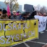 Fotografie demonstrujących 7.11.2015