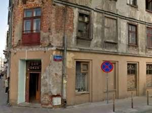 Google Maps/kamienica przy ul. POW 42, październik 2011