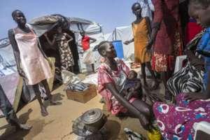 flickr.com/Oxfam: kobiety z Sudanu w ośrodku dla uchodźców prowadzonym przez ONZ