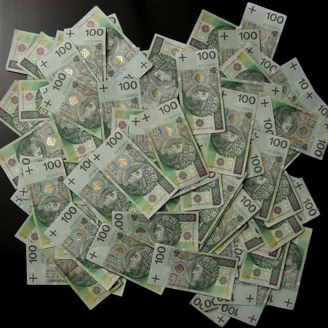 "GUS: Klasa ""średnia"" w Polsce zarabia 7 tys. brutto"