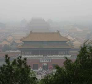 Smog nad Zakazanym Miastem w Pekinie / fot. Wikimedia Commons