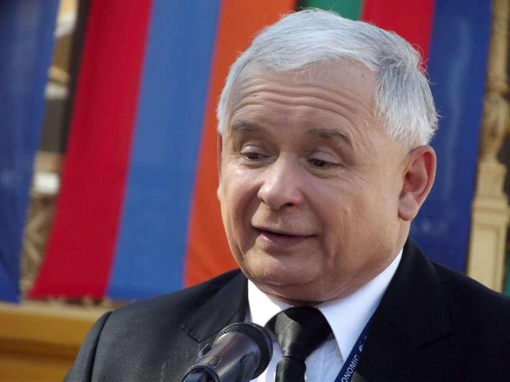 Lider KOD chciał zastrzelić Kaczyńskiego? Troll internetowy przyznaje się do prowokacji