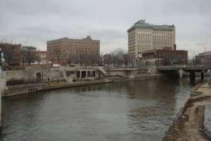 Flint River - rzeka ściek, z której pobierana była woda dla mieszkańcow miesta. /facebook.com/KheriHines