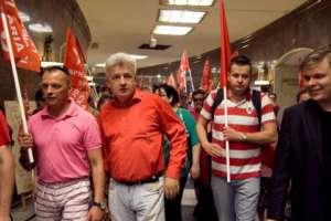 Szef RSS został doprowadzony do sądu w kajdankach, fot. Facebook.com/ Piotr Ikonowicz