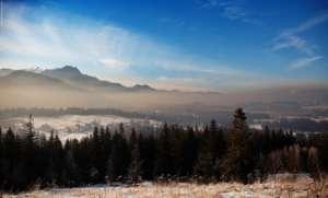 Smog unosi się nad Zakopanem, rok 2014 / facebook.com/Podhalański-Alarm-Smogowy