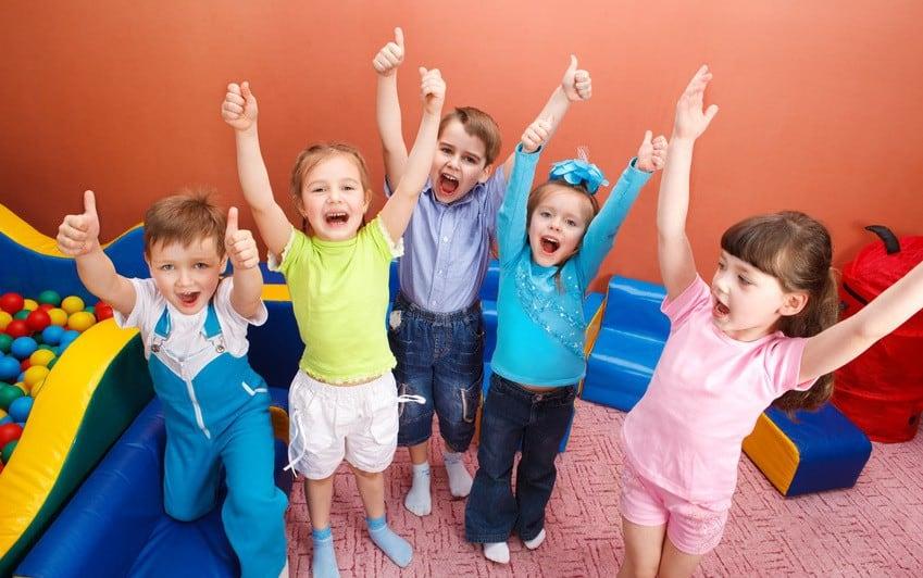 PiS: 500 zł na dziecko nie będzie wliczane do dochodu