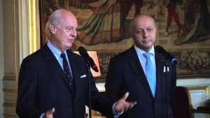 Staffan de Mistura (z lewej) / fot. https://www.youtube.com/watch?v=hGfSuLw_5Gs
