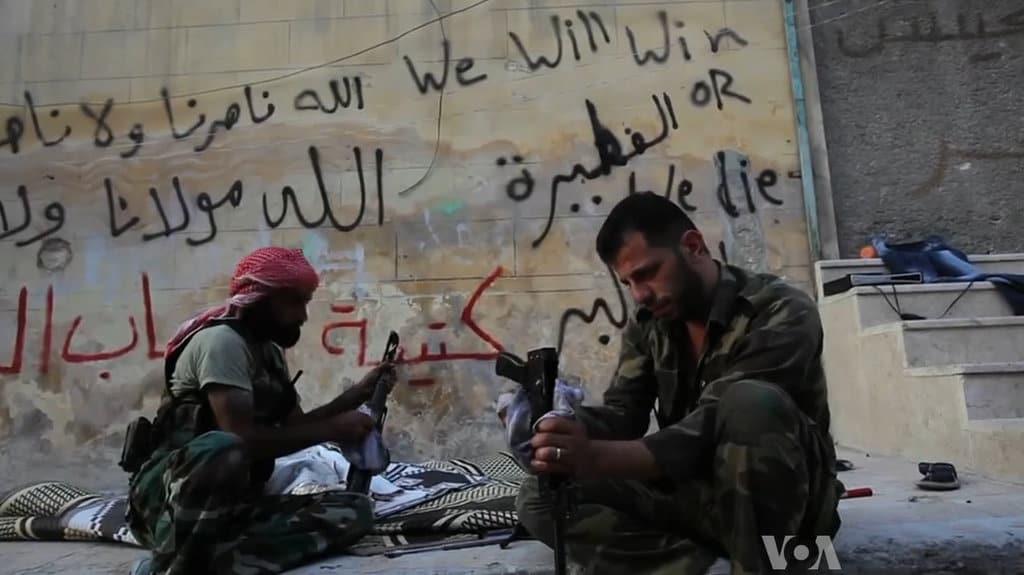 Bojownicy jednej z grup militarnych, biorącej udział w konflikcie syryjskim / wikipedia commons