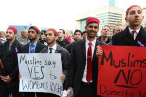 Marsz muzułmanów przeciwko terroryzmowi i przemocy / fot. wikimedia Commons