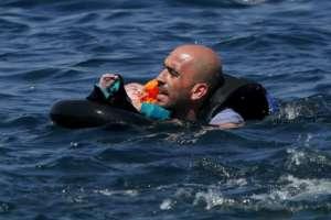 Uchodźcy płyną przez Morze Śródziemne z narażeniem życia. Będzie ich jeszcze więcej. fot. Reuters