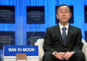 Ban Ki-moon, sekretarz generalny ONZ, już trzeci raz zmienił zdanie w sprawie zbrodni Arabii Saudyjskiej w Jemenie/ Copyright by World Economic Forum swiss-image.ch/Photo by Remy Steinegger