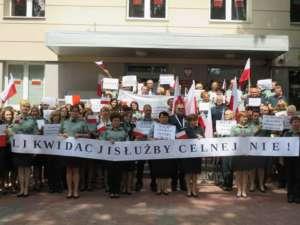 Pikieta pod Izbą Celną w Warszawie/facebook.com