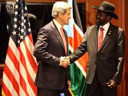"""Salva Kiir w swoim nieśmiertelnym kapeluszu i jego """"Zbawiciel"""", fot. wikimedia commons"""