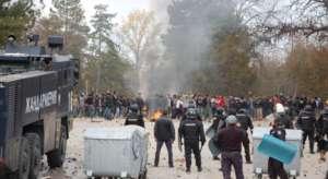 Interwencja policji w Harmnali, źródło: Facebook