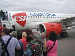 Samolot linii Czech Airlines na lotnisku w Pradze / wikipedia commons