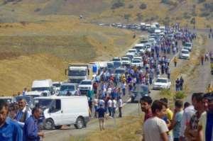 Marsz solidarnościowy w kierunku oblężonego miasta Cidre /facebook.com/HDP