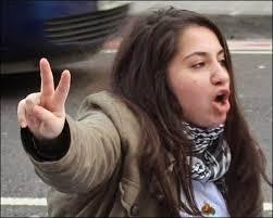 """Shilan Ozcelik - """"terrorystka"""", która chciała walczyć z Państwem Islamskim / youtube.com"""