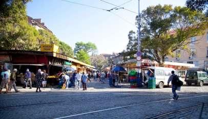 Wejście na sofijski bazar im. G. Kirkowa, niopodal tego placu doszło do morderstwa syryjskiego uchodźcy. Źródło: Wikimedia.