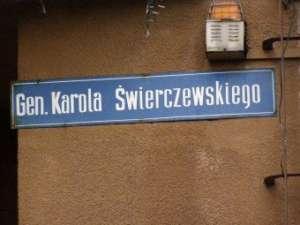 Tablica z nazwą jednej z ulic w Nidzicy / wikipedia commons