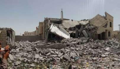 Skutki bombardowań saudyjskich w mieście Sanaa -- stolicy Jemenu. Źródło: Wikimedia Commons.