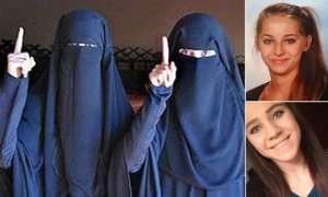 Zdjęcia wrzucane na Facebooka przed wyjazdem do Syrii i po przystąpieniu do Państwa Islamskiego