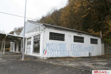 Meczety we Francji regularnie padają ofiarą wandali / fot. loonwatch.com