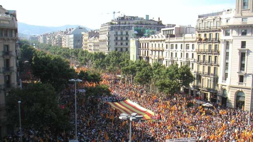 Manifestacja zwolenników niepodległości Katalonii, Barcelona 2010 / fot. Wikimedia Commons