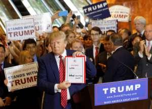 Trump w otoczeniu wiernych wyborców / fot. Wikimedia Commons