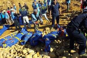 Ciała zabitych górników na miejscu tragedii / twitter.com/AFP