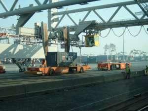 Port w Rotterdamie /wikipedia commons