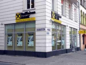 Raiffeisen jest jednym z banków, które podniosa marżę na kredyty hipoteczne, fot. wikimedia commons
