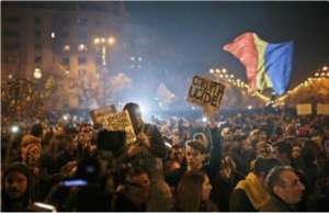 W Rumunii protesty przeciwko korupcji odbywające się pod hasłem Korupcja zabija! doprowadziły do ustąpienia premiera Victora Ponty. Źródło: Twitter
