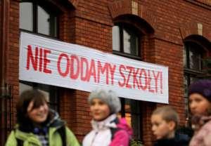 Protest przeciwko zamykaniu szkół w 2013 roku w Krakowie / facebook.com/FAkraków