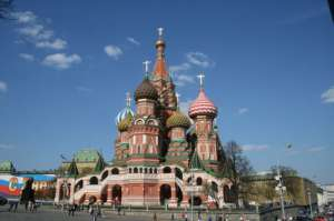 pixabay.com/pl/kreml-osiem-kopuły-kaplice-połączone/bluesnap