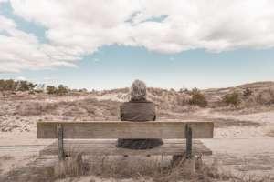pixabay.com/pl/osoby-stary-kobieta-babcia/unsplash