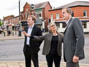 William Wragg (pierwszy z prawej) jest ofiarą prekaryzacji brytyjskiego społeczeństwa / facebook.com/wragg4HG