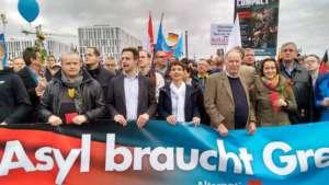 Politycy Alternatywy dla Niemiec na antyimigranckiej demonstracji / facebook.com/alternativefuerde