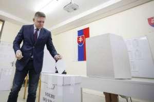 Wybory na Słowacji, przy urnie premier Robert Fico  / facebook.com/RobertFico