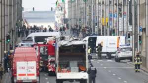 Zamachy w Brukseli mają związek ze śledztwem w sprawie ataków w Paryżu w 2015, fot. twitter.com / BBC News