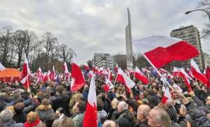 Demonstracja KOD w Warszawie / wikipedia commons