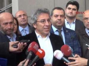 Oskarżony Can Dundar - były redaktor naczelny dziennika Cumhuriyet / youtube.com