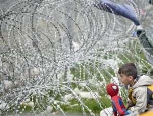 Na granicy macedońsko-greckiej od 21 lutego stoi płot z drutu kolczastego/flickr.com