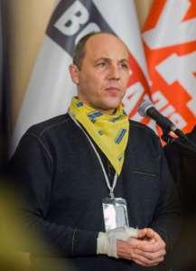 ... i ultranacjonalistyczny bojówkarz - przewodniczący parlamentu Andrij Parubij / fot. Wikimedia Commons