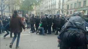Manifestacja w Lyonie 28 kwietnia https://twitter.com/rebellyon_info