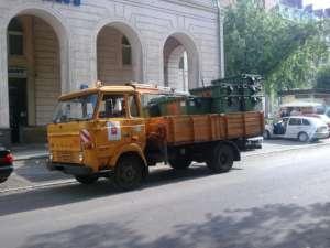 Wóz Miejskiego Przedsiębiorstwa Oczyszczania/wikimedia commons